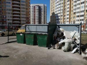 Устройство ограждения площадки мусорных баков МКД Высотная 10