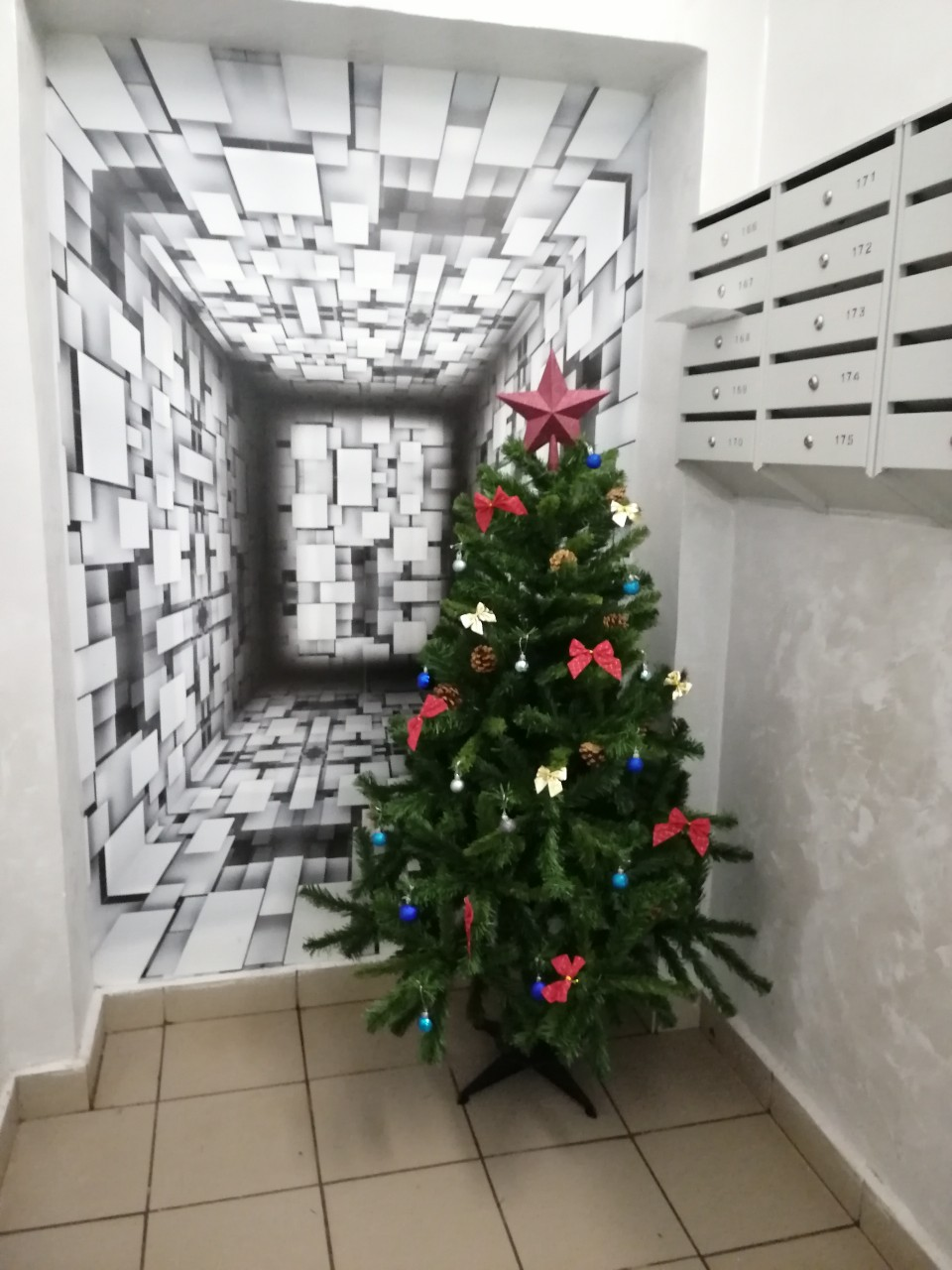 Салмышская 47 новогодее оформление