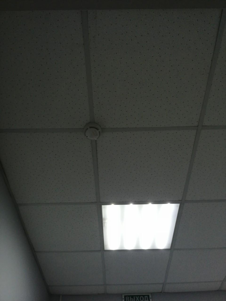 установка потолочной плитки армстронг (1)