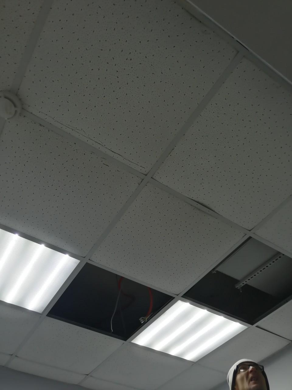 установка потолочной плитки армстронг