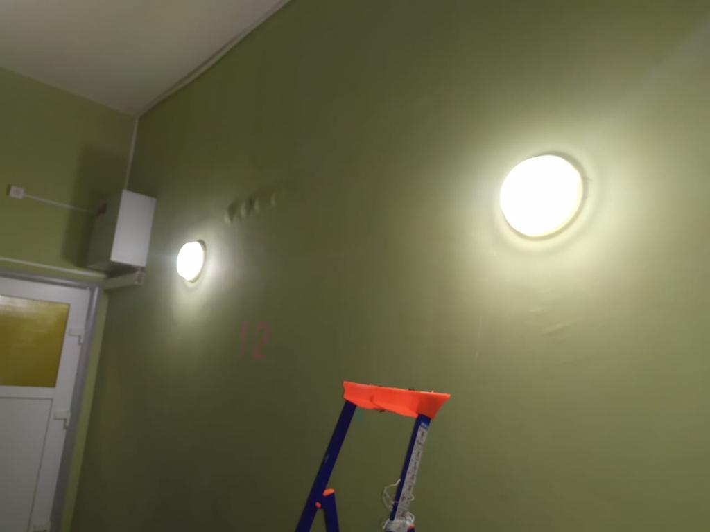 Салмышская 47 четвёртый подъезд замена светильников