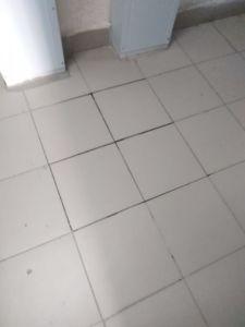 ремонт напольной покрытия в холлах и лестничных маршах, Уральская 2/8, укладка плитки