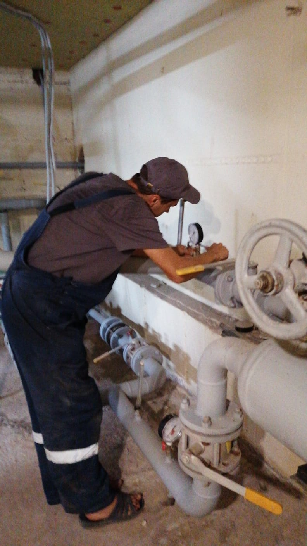 Установка манометров на систему отопления Ямашева 8